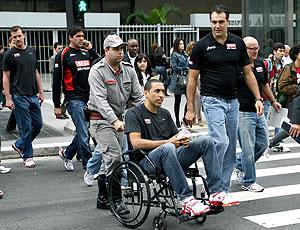 Escadinha de cadeira de rodas durante apresentação do SESI