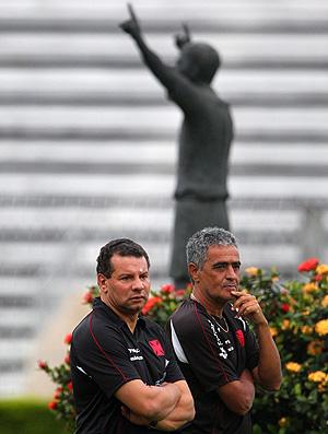 Celso Roth ao lado de Gáucho no treino do Vasco