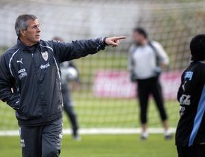 Oscar Tabárez comanda treino do Uruguai