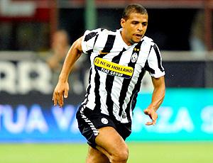 felipe melo em ação pelo Juventus