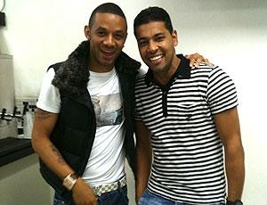 Cristian e André Santos visitam o Corinthians