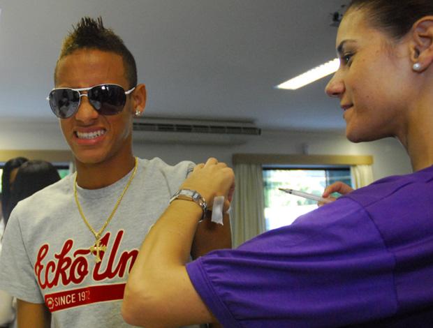 neymar, vacinação contra Gripe A e Hepatite B
