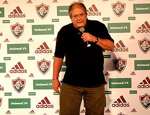 Roberto Horcades, presidente do Fluminense, na apresentação do novo uniforme