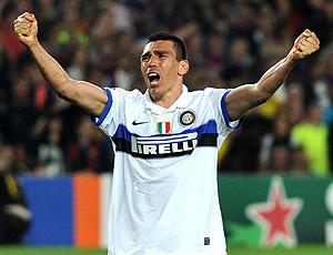Lúcio comemora pelo Inter de Milão  (Foto: Getty Images)