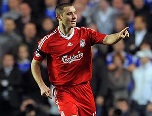 Fábio Aurélio no jogo do Liverpool