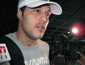 Julio Cesar desembarca no Brasil