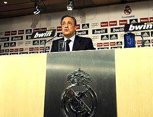 Florentino Perez em coletiva do Real Madrid