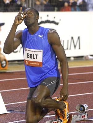 Usain Bolt antes dos 300m em Ostrava