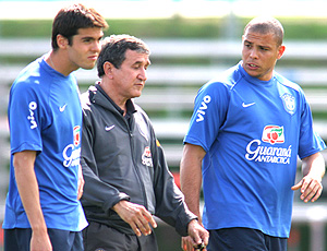 Ronaldo, Parreia e Kaká na preparação do Brasil em 2006