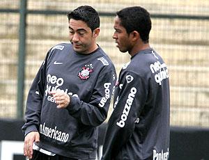 Chicão e Jorge Henrique no treino do Corinthians
