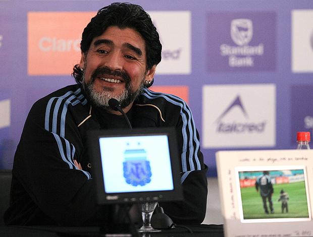 Maradona na coletiva da Argentina