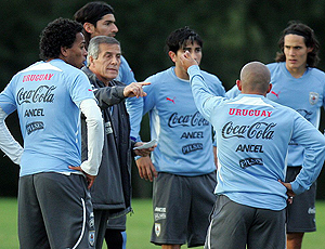 Oscar Tabárez no treino do Uruguai