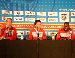 Spector, Jose Torres e Beasley, jogadores da seleção dos EUA