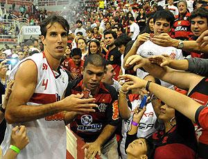 Marcelinho na comemoração do Flamengo na NBB