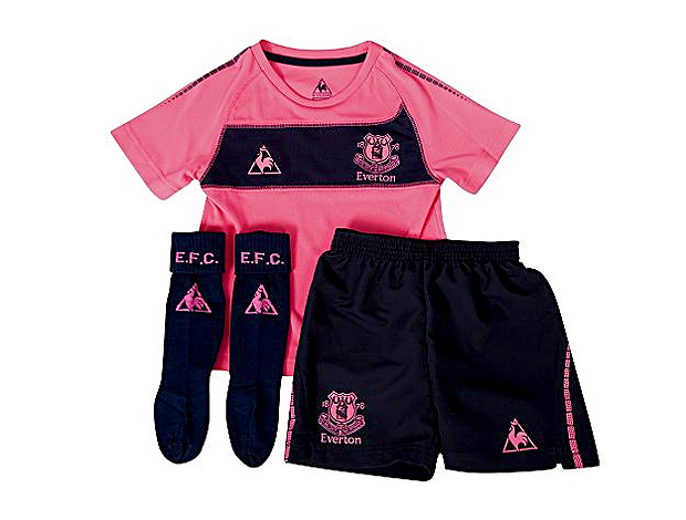 uniforme rosa do Everton