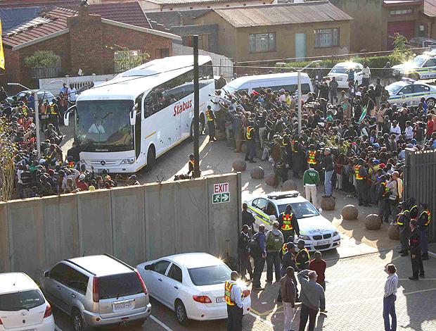 Chegada da Seleção no treino em Soweto