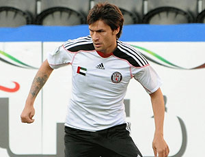 Rafael Sobis jogando no Al-Jazira