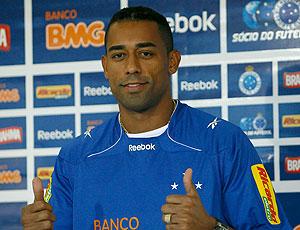 Robert apresentado no Cruzeiro