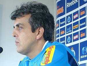 Técnico Emerson Ávila