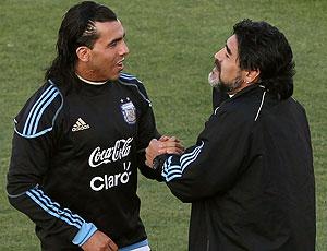Maradona e Tevez no treino da Argentina