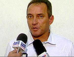 FRAME Pc Gusmão, treinador do Ceará