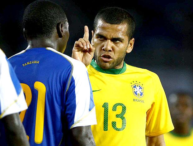 Daniel Alves amistoso Brasil