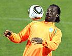 Recém-operado,  Didier Drogba treina sem tipoia (AFP)