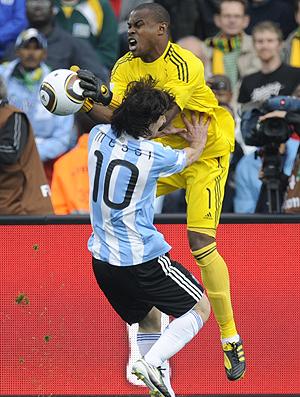Messi Argentina tromba com o goleiro Enyeama Nigéria