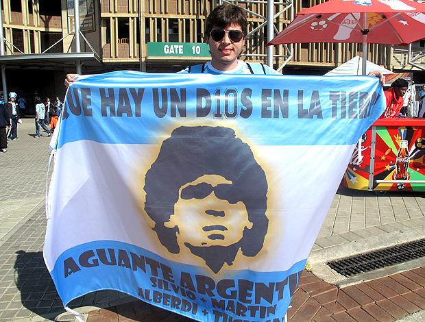 torcedor com bandeira da argentina no ellis park