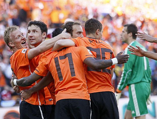 Dirk Kuyt  comemora gol Holanda jogo Dinamarca