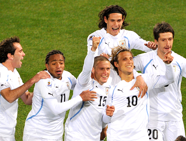 forlan gol áfrica uruguai