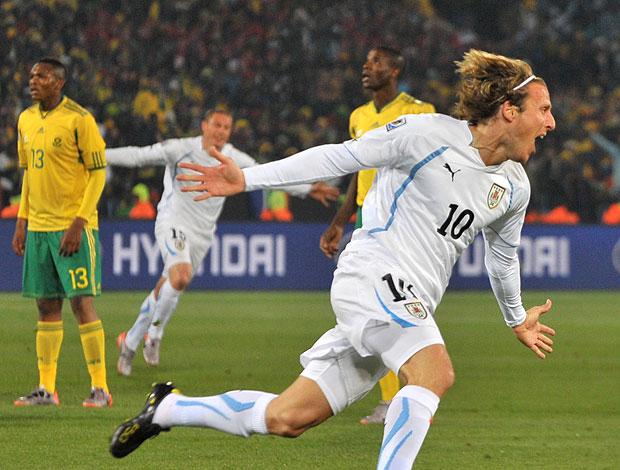 Forlan comemoração gol Uruguai contra África do Sul