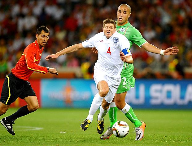 Gerrard e Bougherra, inglaterra x argélia