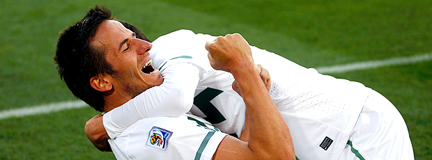 Ljubijankic comemora segundo gol Eslovenia contra EUA