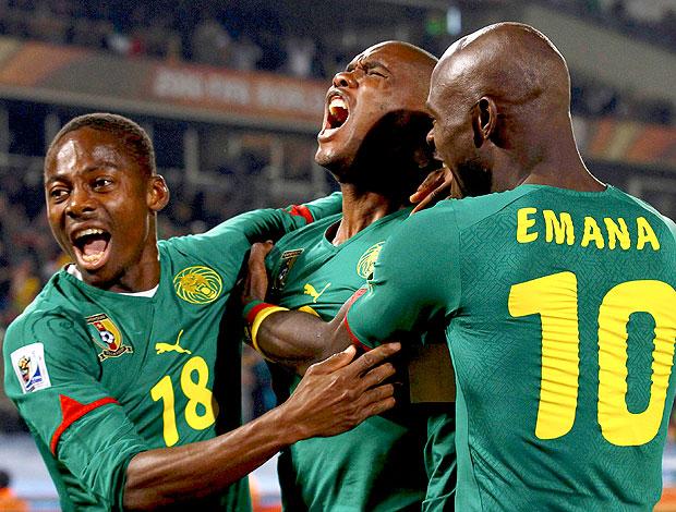 Eto´o comemoração Camarões jogo Dinamarca