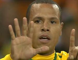 luis fabiano frame gol brasil x costa do marfim