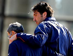 Buffon, goleiro Itália machuca treino