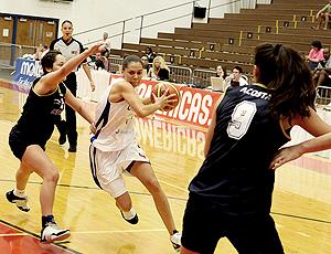 Tassia Carcavalli seleção basquete sub-18