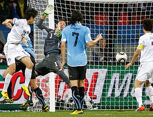 Lee Chung-yong gol Coreia do Sul contra Uruguai