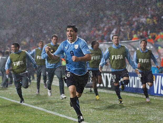 Luis Suarez comemoração Uruguai
