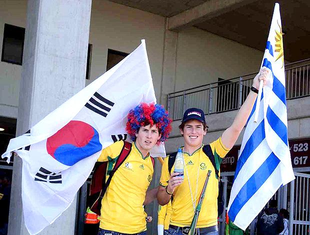Torcedores sul-africanos Uruguai x Coréia