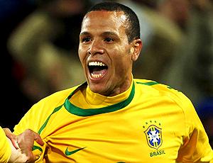 luis fabiano gol brasil x chile