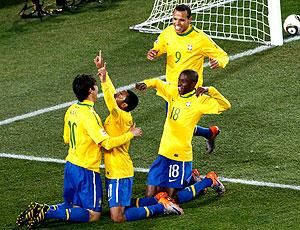 Gol Robinho comemoração Brasil