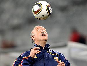 Vicente del Bosque no treino da Espanha dia 28 de junho