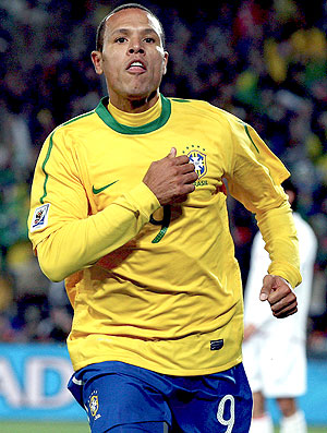 Luis Fabiano comemoração seleção brasileira