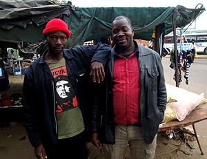 João e Carlos, moradores Mogwase, local treino Gana