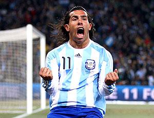 Tevez jogador da Argentina comemorando
