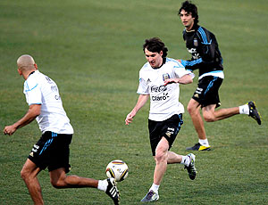 Messi, Verón e Pastore treino Argentina