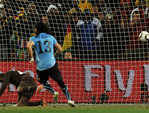 penalti abreu gana x uruguai