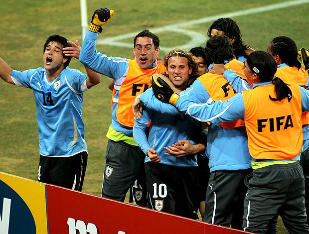 Forlan comemoração Uruguai